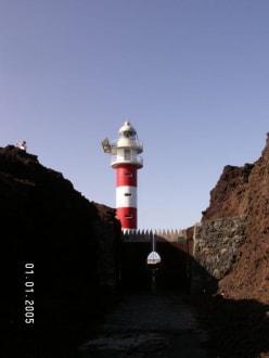 Am Ende der Straße steht der Leuchtturm - Punta de Teno