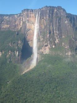 Waters (river/lake/waterfall)  - Salto Angel Waterfall