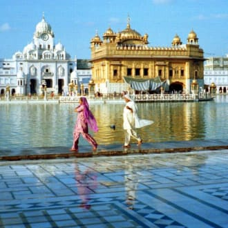 Zwei Inderinnen in Amritsar - Goldener Tempel