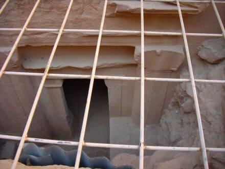 Petra /Unterhalb - Felsenstadt Petra