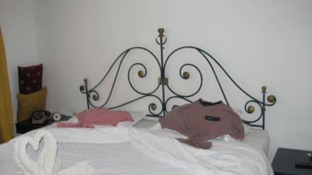 Zimmer großes Bett - SunConnect Djerba Aqua Resort