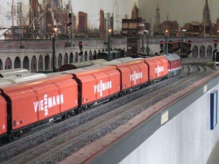 Spur I-Anlage - Güterzug wartet auf Ausfahrt - Museum für Hamburgische Geschichte