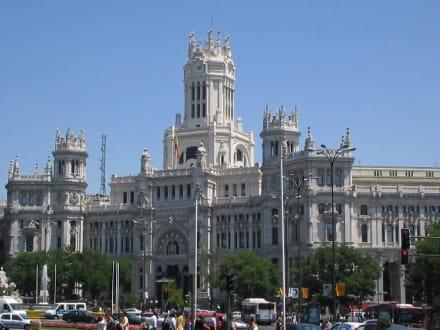Hauptpostamt von Madrid - Palacio de Comunicaciones / Plaza Cibeles