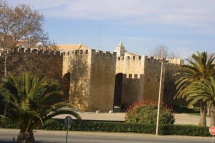 Stadtmauer und Stadttor - Stadtmauer Lagos