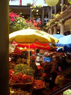 Auf dem Stadtmarkt - Markthalle Mercado dos Lavradores