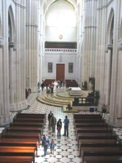 Caredral de la Almudena - Catedral de la Almudena