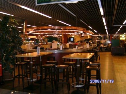 Oben im Bereich der 2.Besucherterrasse - Flughafen Düsseldorf (DUS)