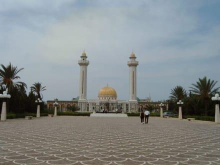 Bourguiba-Moschee in Monastir - Mausoleum Bourguiba