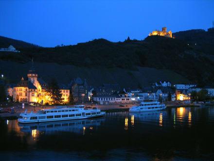 Bernkastel abends - Burg Landshut