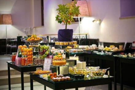 Breakfast buffet at Le 49 -