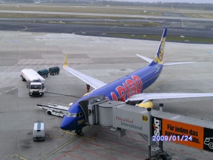 Blick - Flughafen Düsseldorf (DUS)