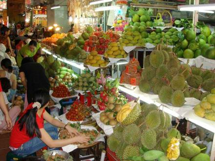 Obst in Hülle und Fülle - Ben-Thanh-Markt