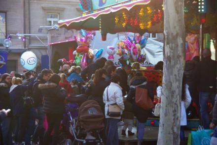Andrang ist auf dem Frühlingsfest groß - Frühlingsfest