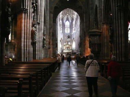 Das Kirchenschiff - Freiburger Münster