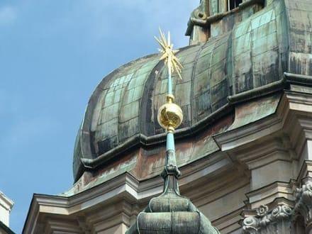 Tempel/Kirche/Grabmal - Stiftskirche