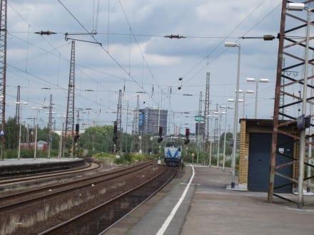 Auf dem Bahnsteig - Transport