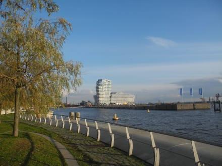 Hafencity - modernes Viertel am Wasser - Hafencity Hamburg