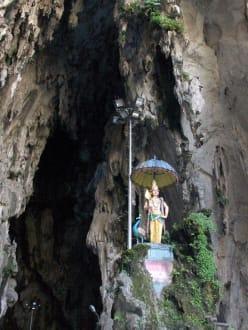 Statue am eingang zur Höhle - Batu Caves