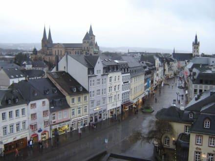 Trier aus der Porta Nigra - Altstadt Trier