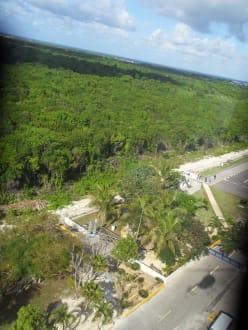 Es wird zur Landung geflogen - Helikopter-Rundflug Punta Cana