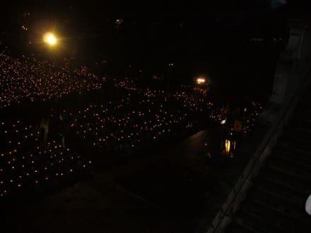 Lichterprozzession - Der Heilige Bezirk