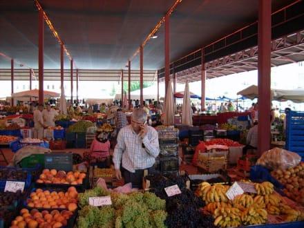 Obst- und Gemüsemarkt - Obst- und Gemüsemarkt