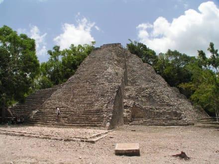 Tempel Nohoch Mul - Ruinenstätte Cobá