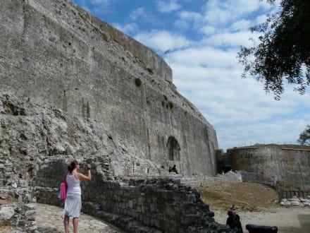 Riessig oder? - Neue Festung von Kerkyra