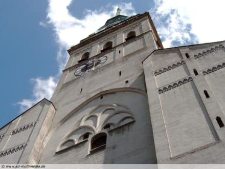 Der Alte Peter - Pfarrkirche St. Peter (Alter Peter)