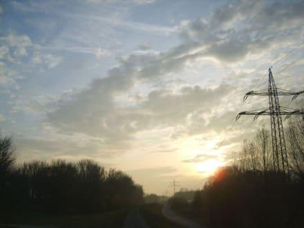 Nachmittags geht die Sonne unter - Plattling