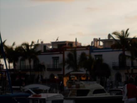 Abends in Mogan - Club de Mar