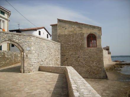 Stadtmauer-Tor - Altstadt Novigrad