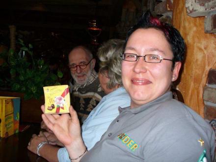Alex mit kleinem Geschenk! - HolidayCheck User-Treffen Nord