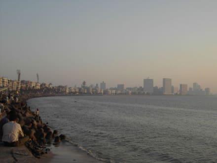 Die Westküste von Bombay mit dem Marine Drive - Marine Drive