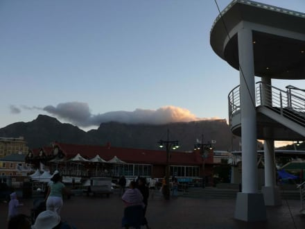 Waterfront mit Tafelberg - Alfred & Victoria Waterfront