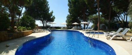 Pool-Anlage - Hotel Bendinat