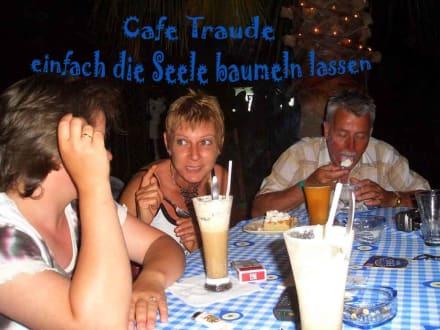 Hier ist der Treffpunkt für nette Menschen - Cafe Traude (geschlossen)