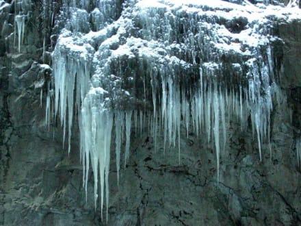 filigrane Eiszapfen in der Partnachklamm - Partnachklamm