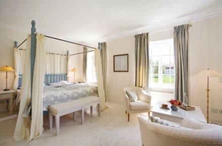 romantisch wohnen bild hotel restaurant ole liese in panker schleswig holstein deutschland. Black Bedroom Furniture Sets. Home Design Ideas