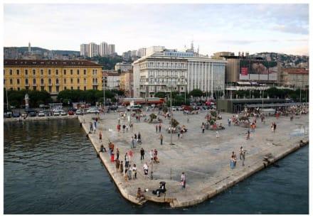 Rijeka - Hafen von der Fähre aus ... - Hafen Rijeka