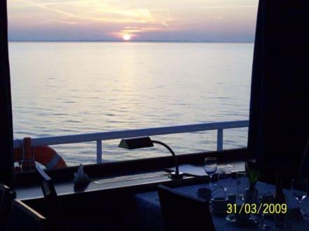 Sonnenuntergang vom Tisch aus - Bellriva