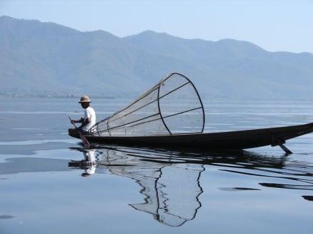 Reusenfischer auf dem Inle See - Inle See