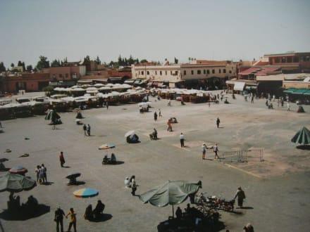 Der Blick vom Kaffee aus - Place Djemaa el Fna