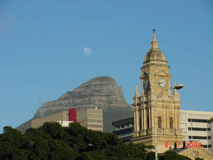Mond - Berg - Rathaus - Zentrum Kapstadt