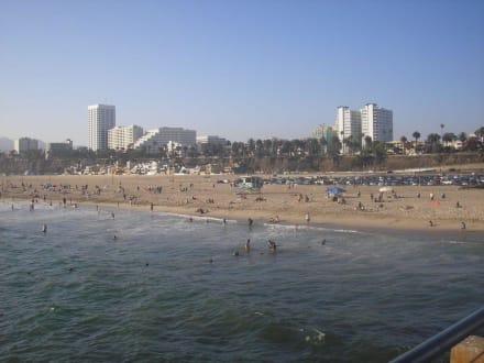 Blick auf den Strand vom Pier - Santa Monica Pier