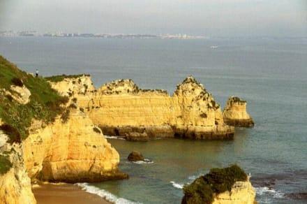 Schöner Küstenabschnitt an der Algarve - Küste Lagos