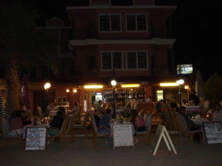 Restaurant am Abend - Sunset Restaurant