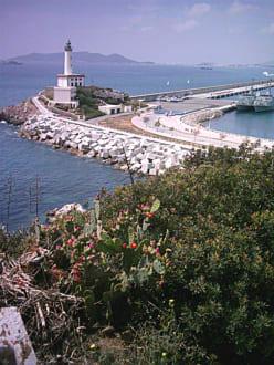 Der Leutturm an der Hafeneinfahrt von Ibiza - Stadt - Hafen Ibiza Stadt
