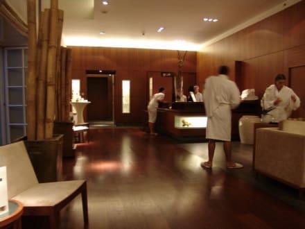 Eingang Spa und Pool - Hotel Pullman Aachen Quellenhof