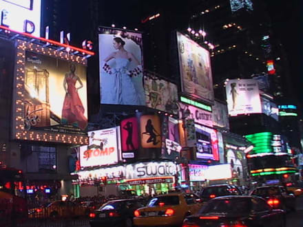 Teil vom Times Square by night - Times Square
